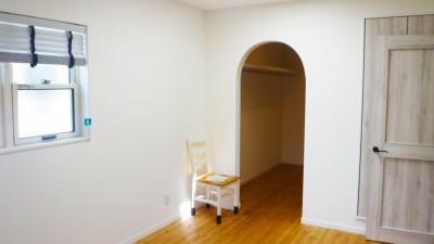 room-1024x576